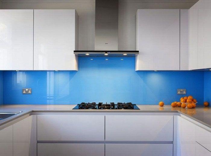 Kính ốp bếp màu xanh dương tại tpchm
