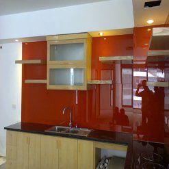 kính màu ốp bếp màu đỏ