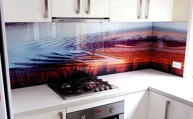 Mẫu tranh khắc kính hồ nước