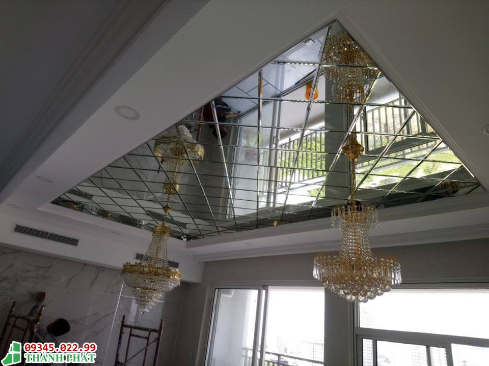 Kính thủy - Gương ghép trần nhà