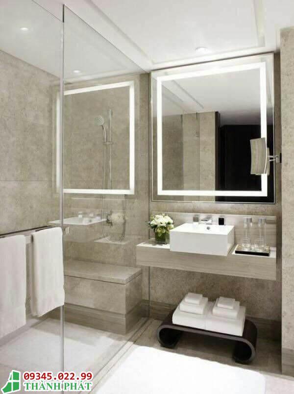 kính trang trí phòng tắm