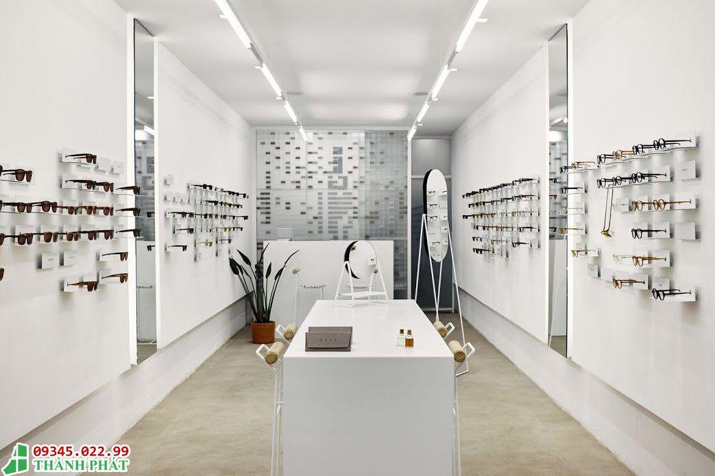 Gương trang trí cửa hàng