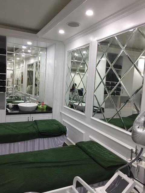 kính trang trí spa