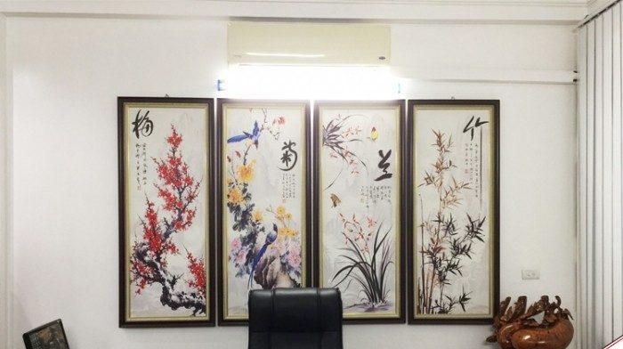 Trang trí tranh kính phòng làm việc