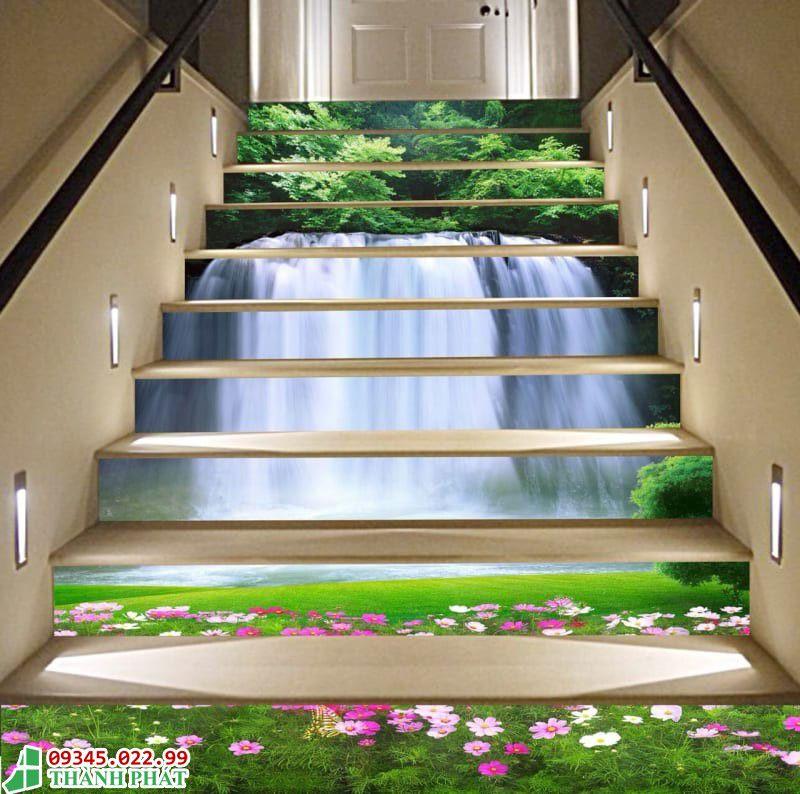 Tranh kính bậc cầu thang