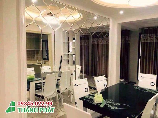 Gương ghép trang trí cho phòng khách
