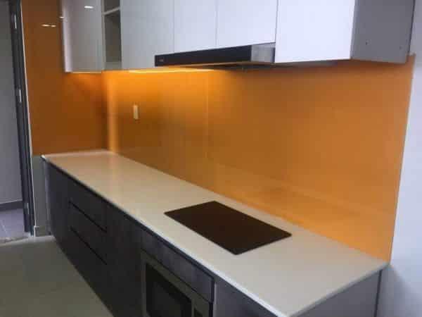 Kính màu ốp bếp màu cam